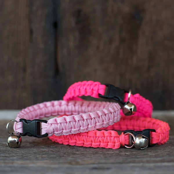 Knots 4 Kritters - cobra weave 1 color paracord cat collar