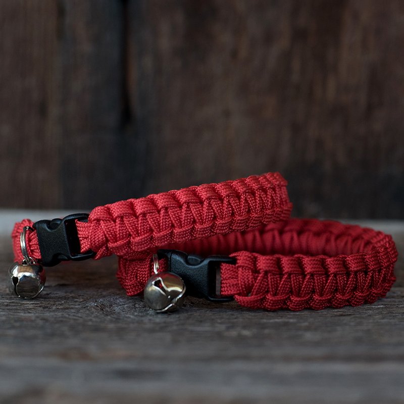 Knots 4 Kritters - cobra weave 1 color paracord cat collar