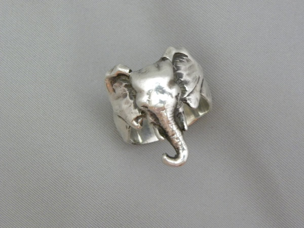 Large African Elephant Ring